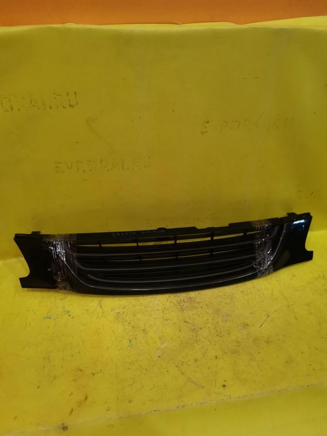 Решетка радиатора Toyota Avensis