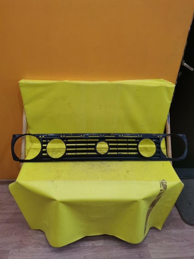 Решетка радиатора Volkswagen Golf 2 19E 1H