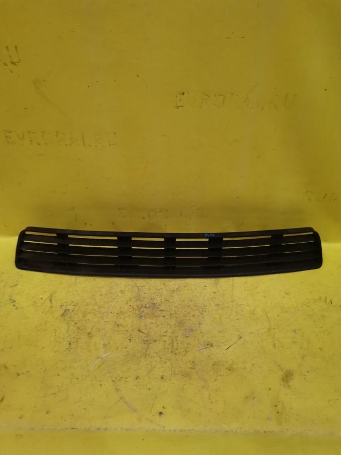 Решетка в бампер комплект Audi A4 8E2 1Z