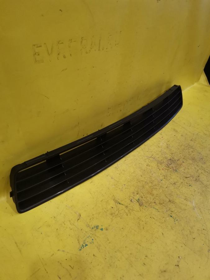 Решетка в бампер Audi A4 94