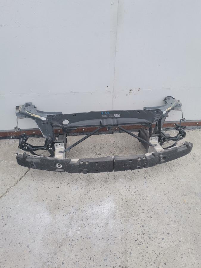 Рамка радиатора(телевизор) Bmw 5-Series E60