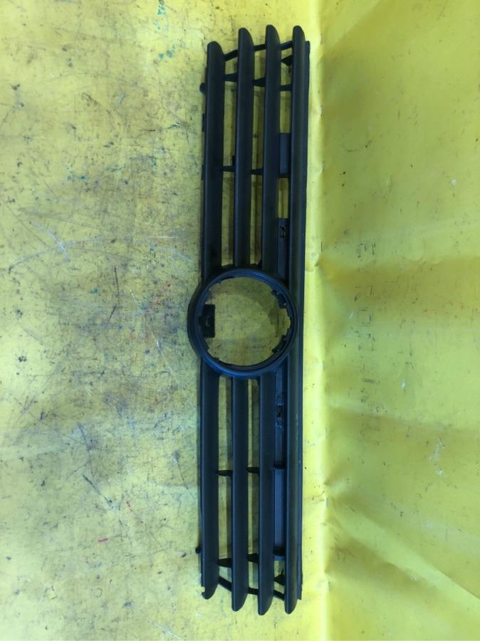 Рамка радиатора Volkswagen Passat B4