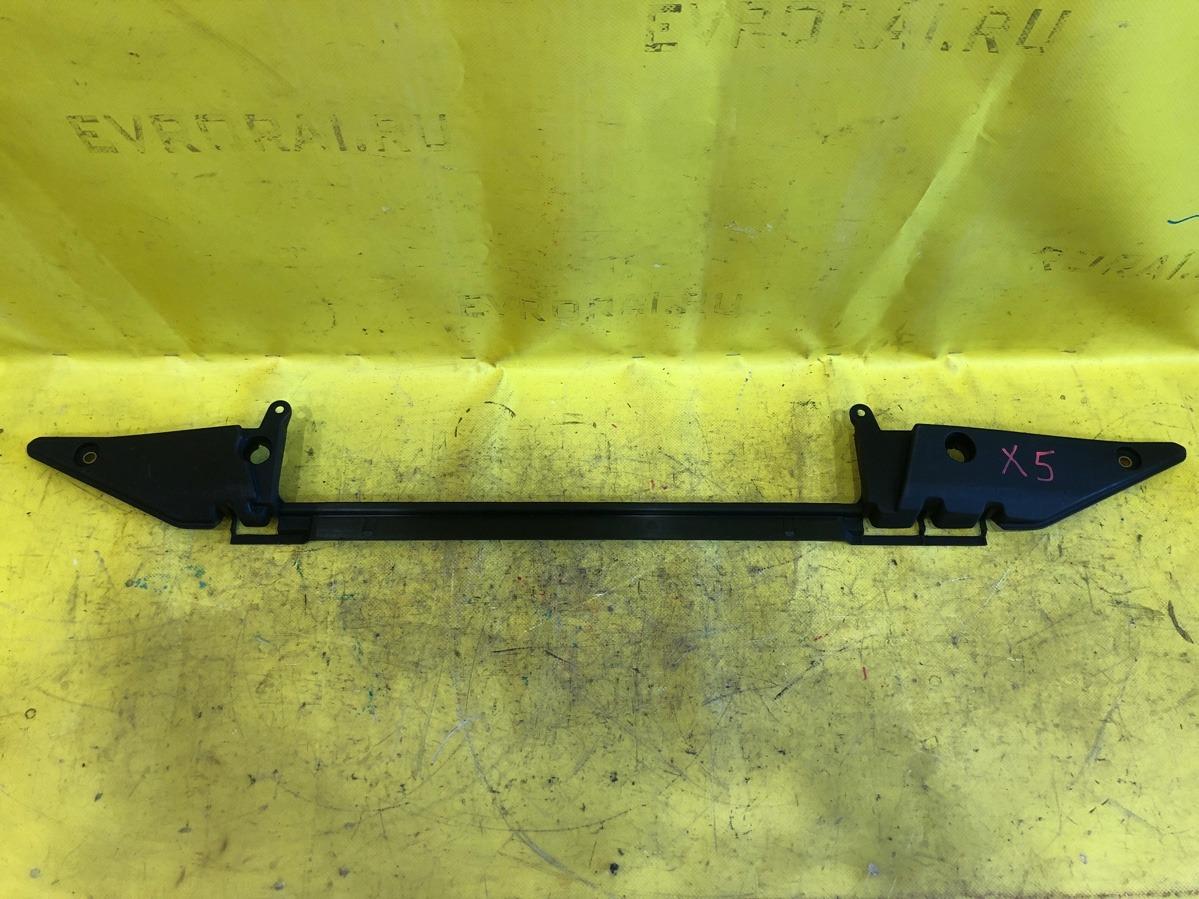 Кронштейн радиатора Bmw X5 верхний