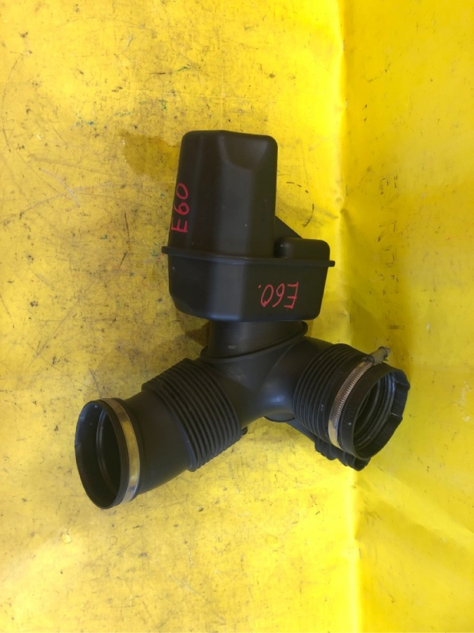 Патрубок воздушного фильтра Bmw 5-Series E60 E61 M54