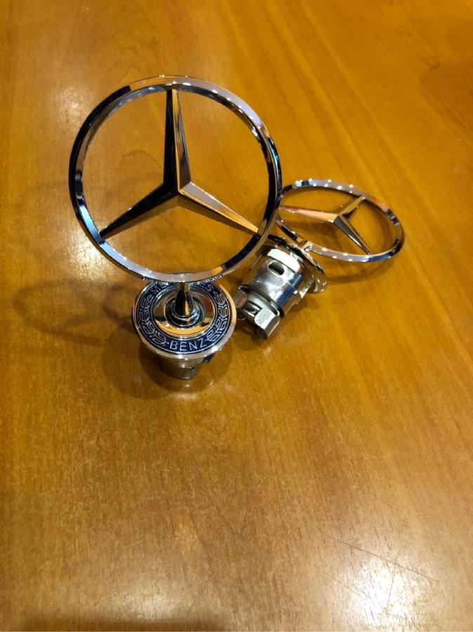 Эмблема капота Mercedes-Benz