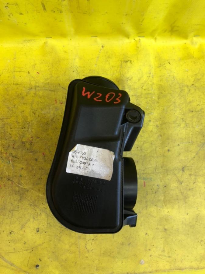 Резонатор воздушного фильтра Mercedes-Benz C-Class W203 M271