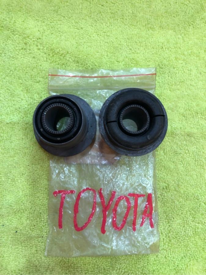 Сайлентблок рычага Toyota передний верхний