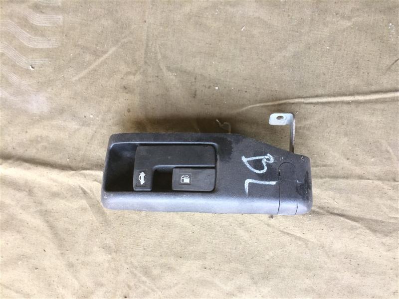 Ручка открывания багажника Subaru Legacy BL EJ20 2003 (б/у)