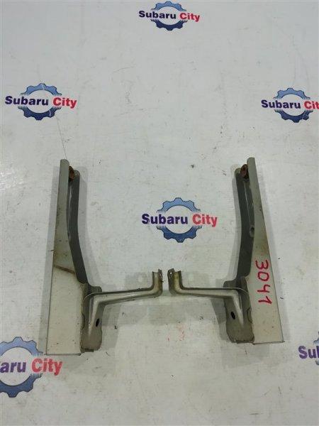 Крепление заднего бампера Subaru Legacy BE EJ20 2000 заднее (б/у)