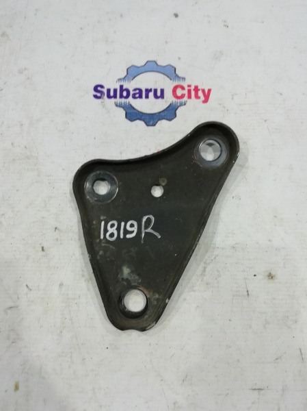Кронштейн подвески Subaru Outback BP9 EJ25 2005 передний правый (б/у)
