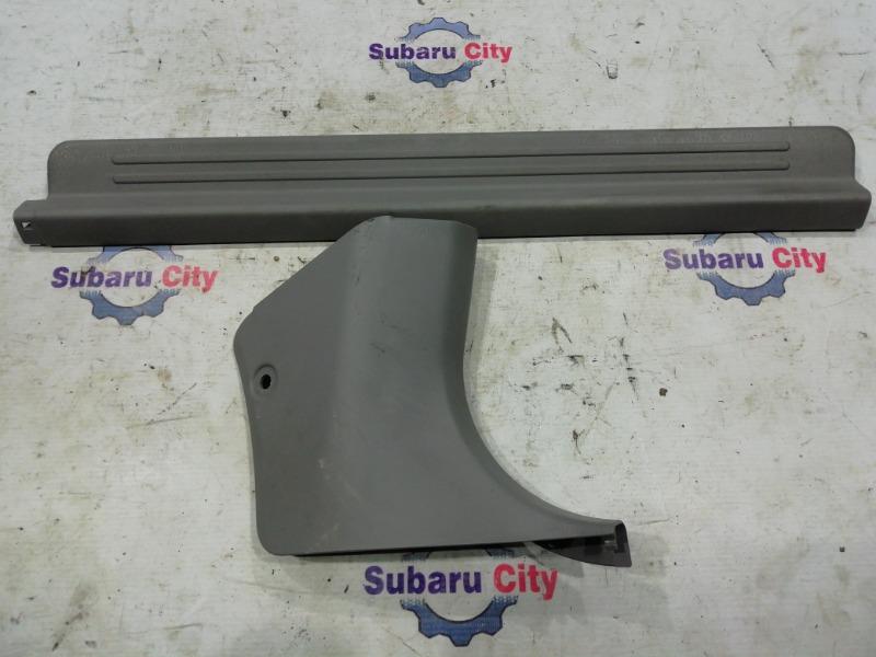Накладка на порог салона Subaru Forester SF5 EJ20 1999 передняя правая (б/у)