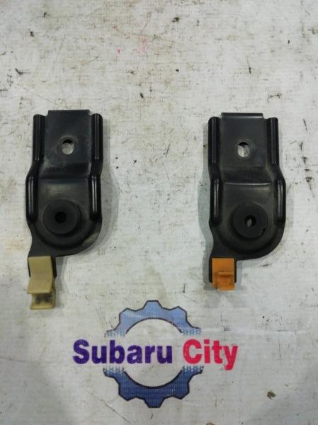 Крепление радиатора Subaru Forester SF5 EJ20 1999 (б/у)