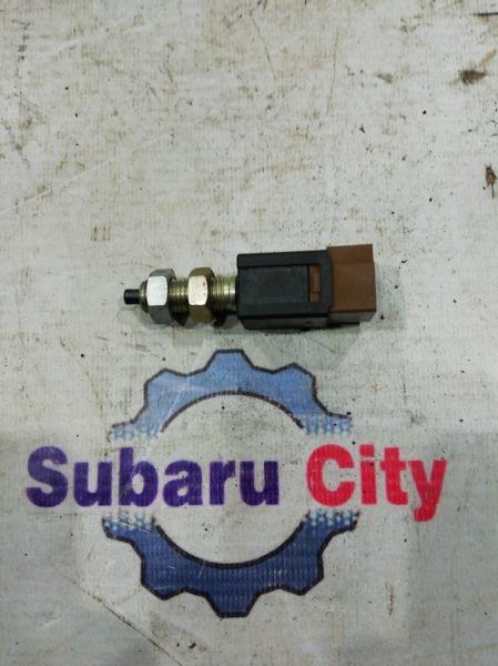 Концевик педали тормоза Subaru Forester SF5 EJ20 1999 (б/у)