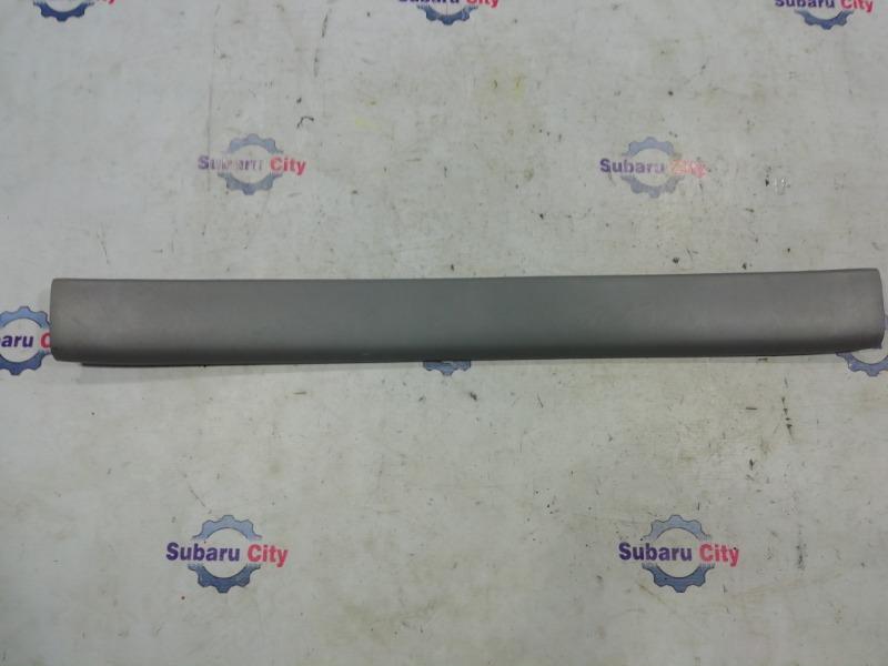 Накладка в багажник Subaru Forester SG EJ20 2005 верхняя (б/у)