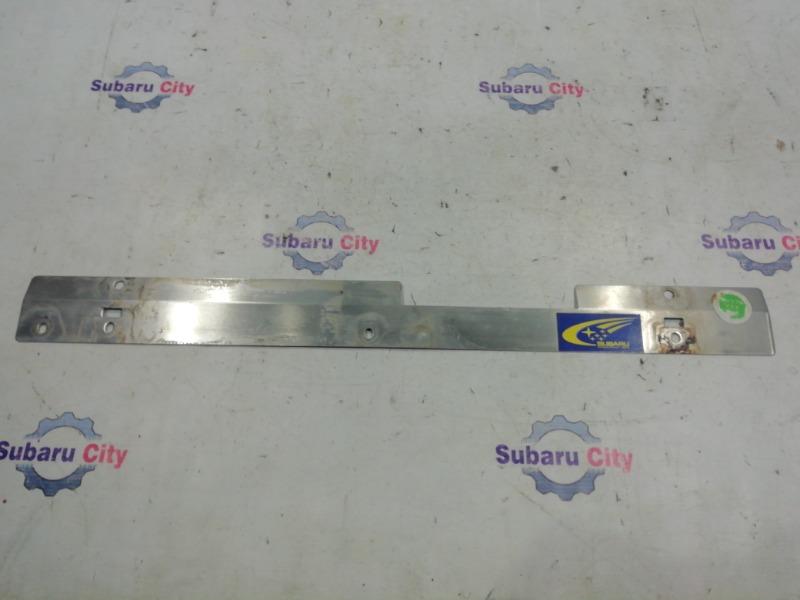 Накладка на радиатор Subaru Legacy BE EJ20 2000 (б/у)