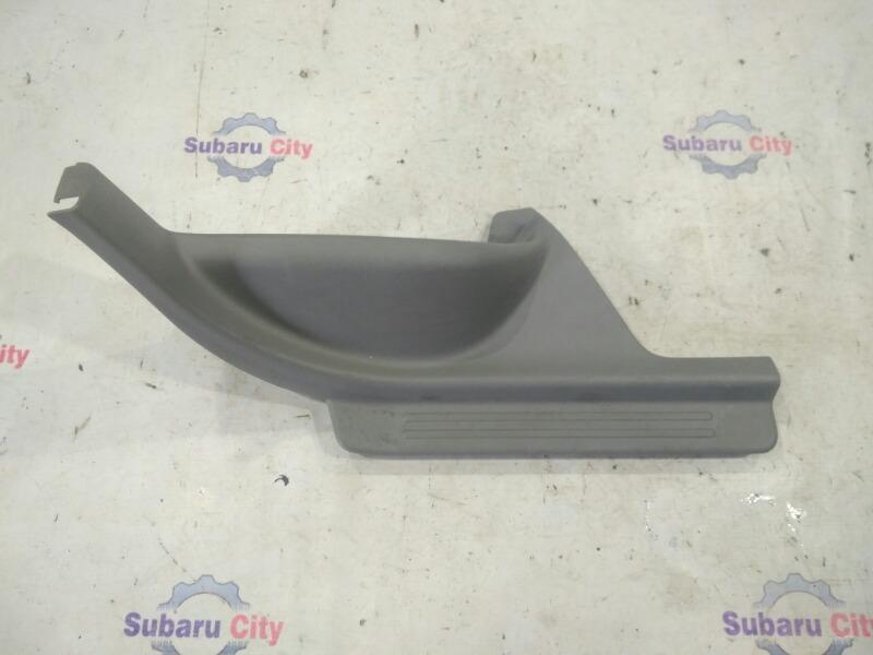 Накладка на порог салона Subaru Forester SF5 EJ20 2000 задняя правая (б/у)