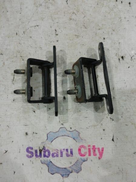 Петли двери багажника Subaru Forester SG EJ20 2003 (б/у)
