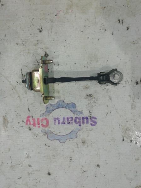 Ограничитель зазора двери багажника Subaru Forester SG EJ20 2005 (б/у)