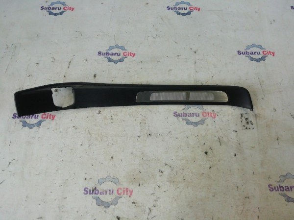 Накладка на порог салона Subaru Legacy BL EJ20 2004 задняя левая (б/у)