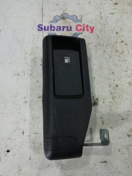 Ручка открывания топливного бака Subaru Legacy BP EJ20 2006 (б/у)