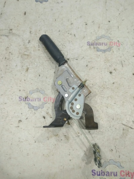 Ручка ручника Subaru Forester SG EJ20 2002 (б/у)