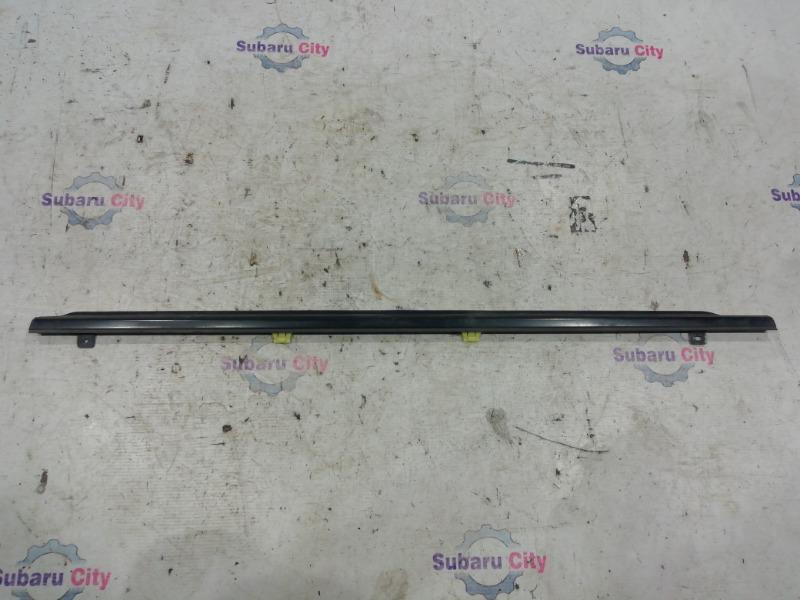 Молдинг на дверь Subaru Forester SG EJ20 задний левый (б/у)