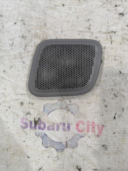 Накладка в багажник Subaru Forester SF EJ20 2000 задняя правая (б/у)