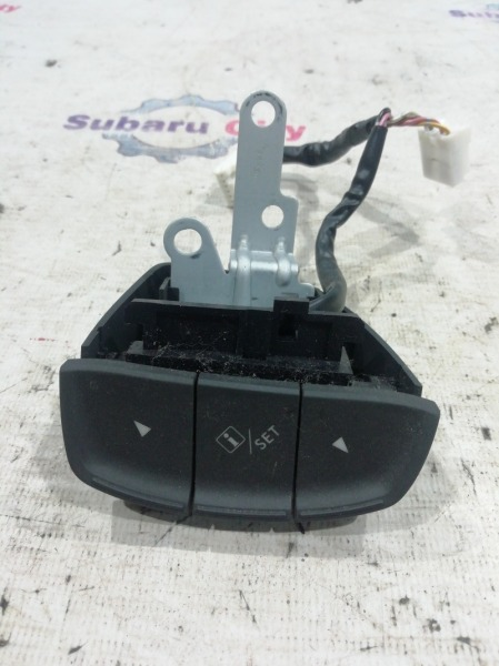 Кнопка на руль Subaru Legacy BL EJ20 2009 (б/у)