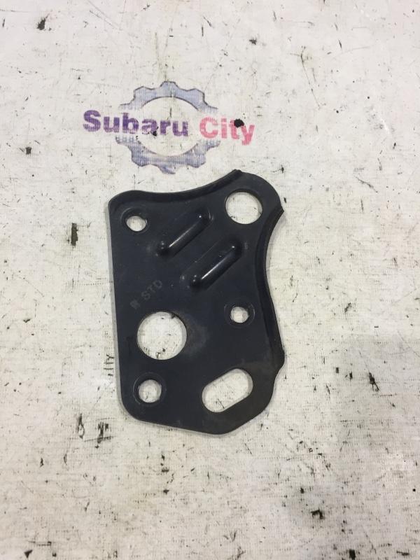 Крюк буксировочный Subaru Legacy BE EJ20 2002 передний правый (б/у)