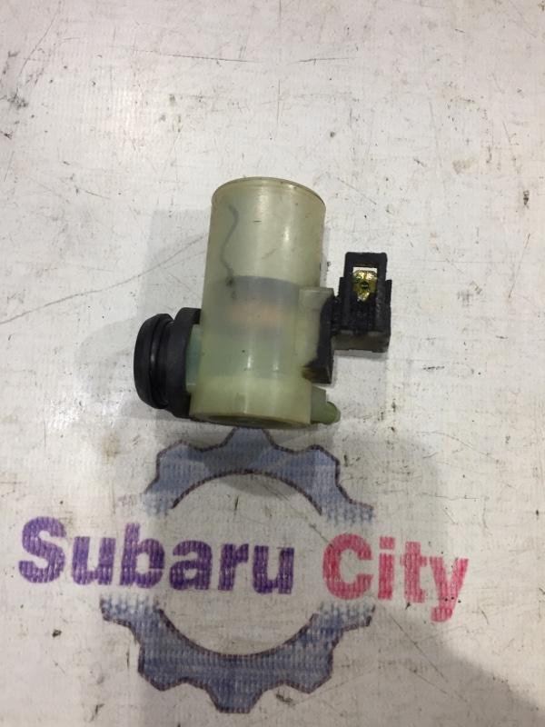 Моторчик омывателя Subaru Forester SG EJ20 2002 задний (б/у)