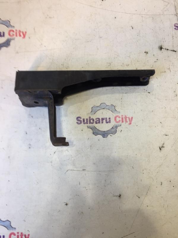 Крепление заднего бампера Subaru Legacy BE EJ20 2002 заднее правое (б/у)