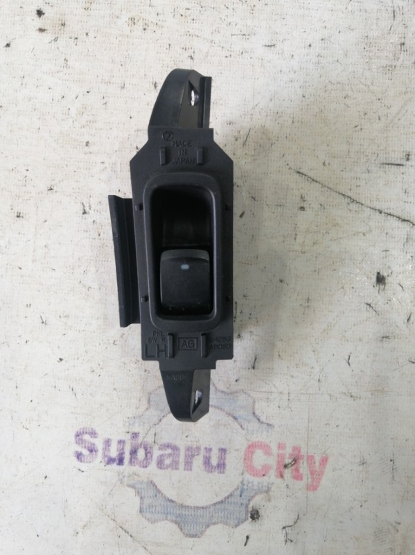 Кнопка стеклоподъемника Subaru Legacy BL EJ20 2004 задняя левая (б/у)