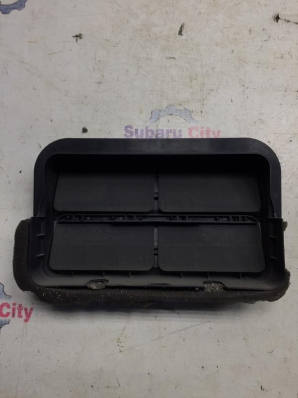 Клапан вентиляции багажника Subaru Legacy BL EJ20 2004 правый (б/у)