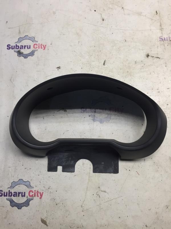 Пластик вокруг спидометра Subaru Impreza GD EJ15 2000 (б/у)