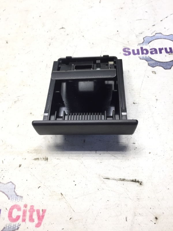 Пепельница Subaru Impreza GD EJ15 2000 (б/у)