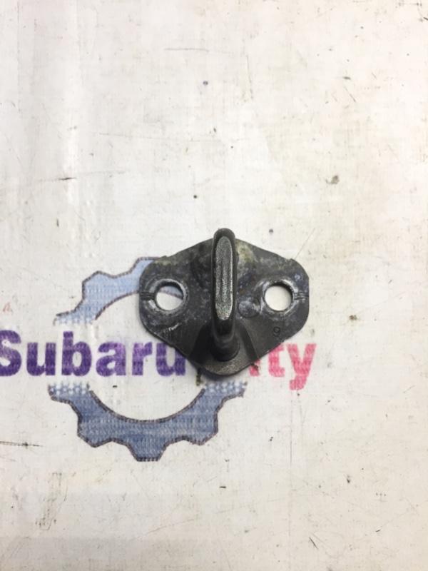 Петля замка багажника Subaru Legacy BH EJ20 1999 (б/у)