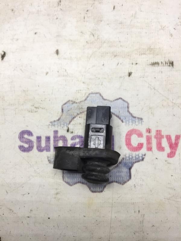 Концевик двери Subaru Legacy BE EJ20 1999 передний (б/у)