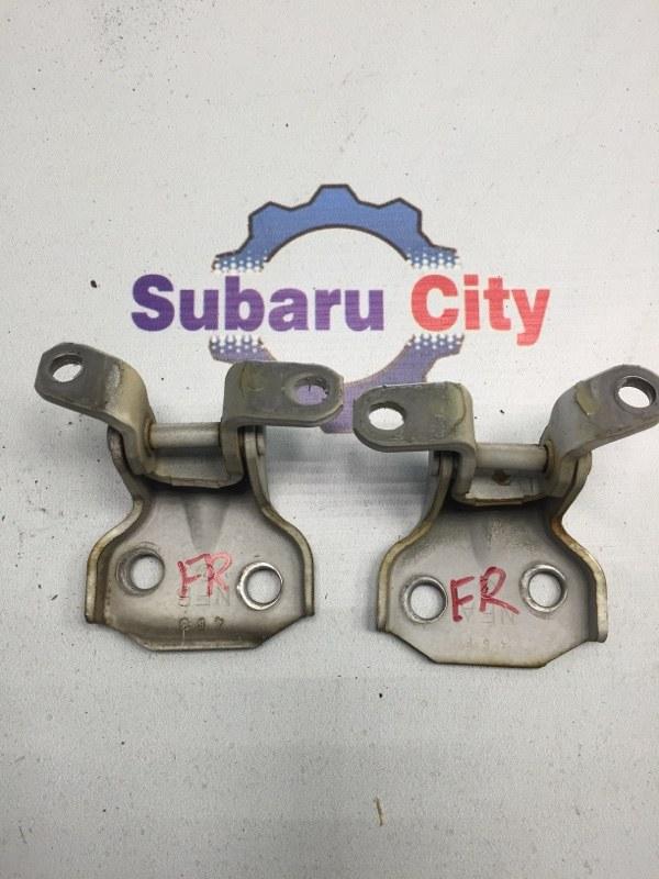 Петли двери Subaru Forester SG EJ20 передние правые (б/у)