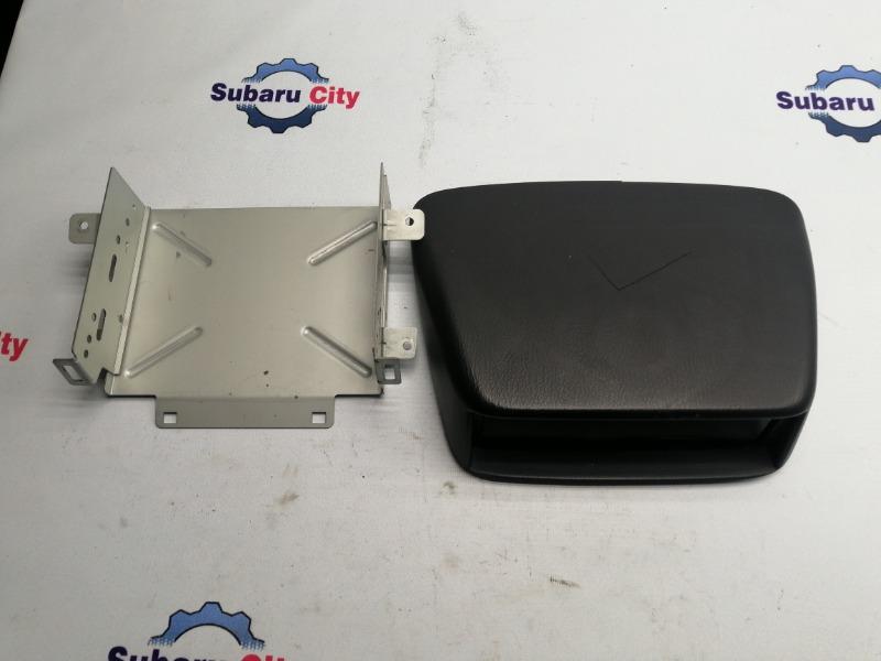 Козырек на торпедо Subaru Impreza GG EJ15 2000 (б/у)
