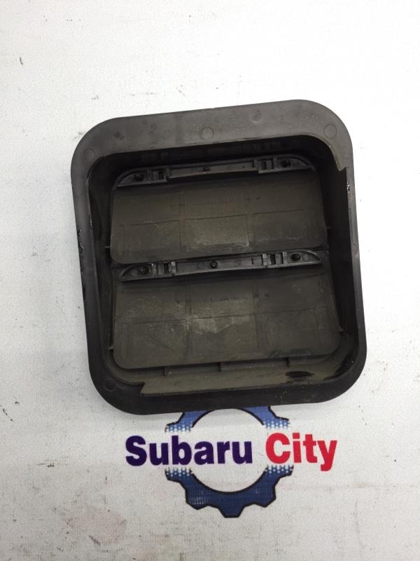 Клапан вентиляции багажника Subaru Legacy BE EJ20 2001 правый (б/у)