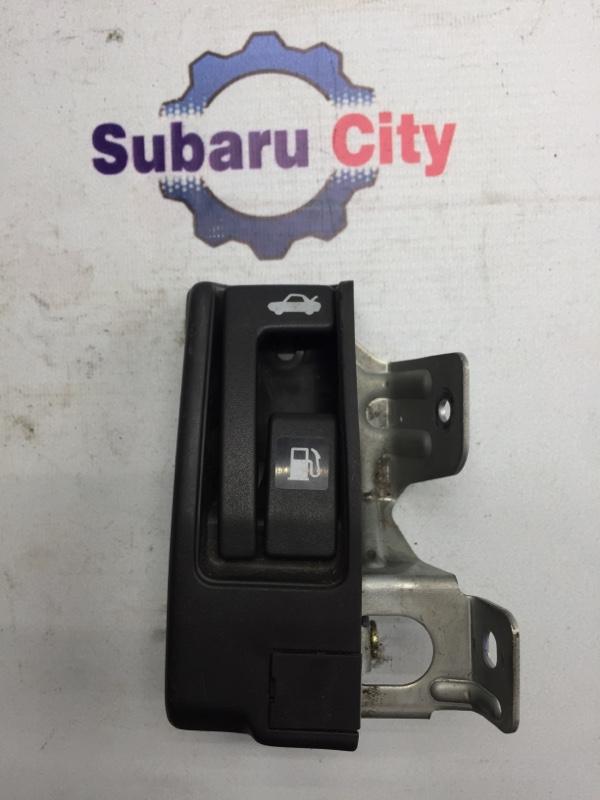 Ручка открывания лючка топливного бака Subaru Legacy B4 BE EJ20 2001 (б/у)