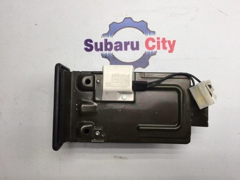 Пепельница Subaru Legacy BE EJ20 2001 (б/у)