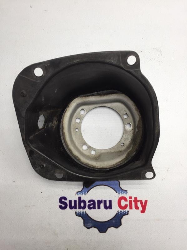 Пластик вокруг горловины топливного бака Subaru Legacy BE EJ20 2001 (б/у)