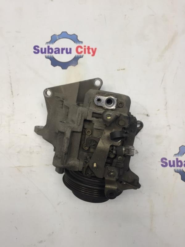 Компрессор кондиционера Subaru Legacy BE EJ20 2001 (б/у)