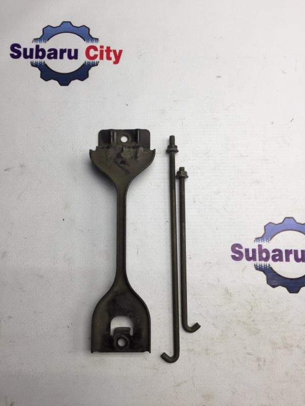 Крепление аккумулятора Subaru Legacy BL EJ20 2003 (б/у)