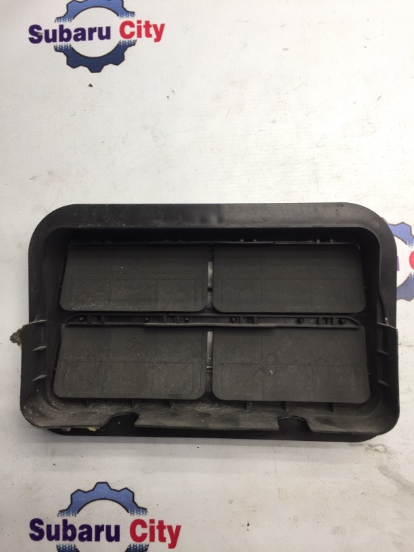 Клапан вентиляции багажника Subaru Legacy BL EJ20 2003 (б/у)