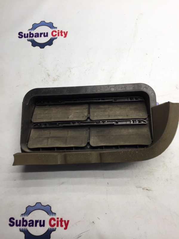Клапан вентиляции багажника Subaru Forester SG EJ20 2003 левый (б/у)