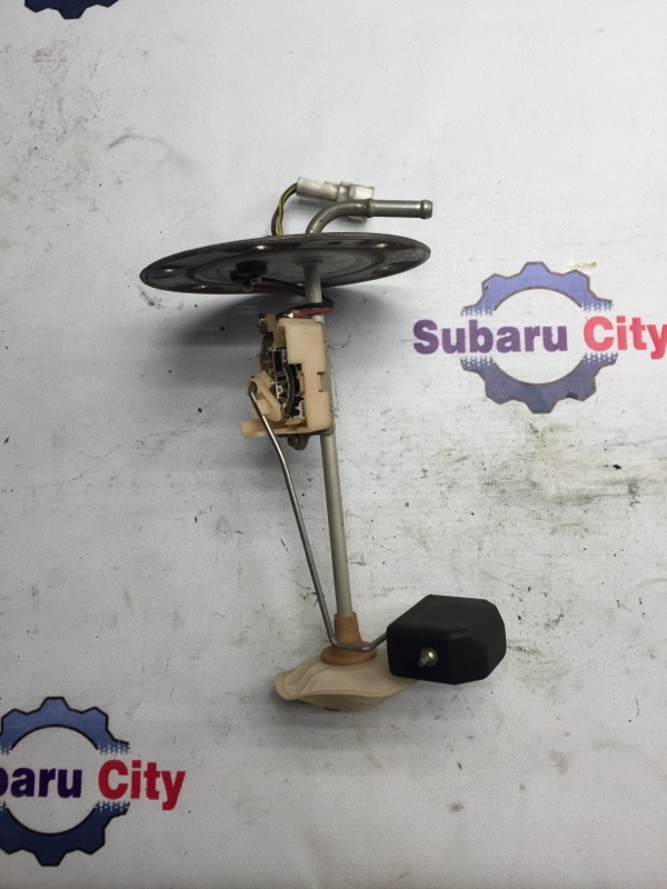 Датчик уровня топлива Subaru Legacy BE EJ20 1998 (б/у)