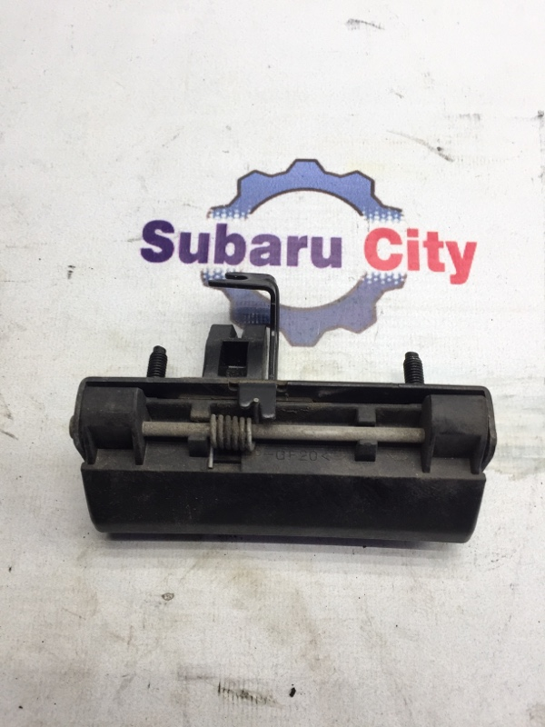 Ручка открывания 5й двери Subaru Forester SG EJ20 2004 (б/у)
