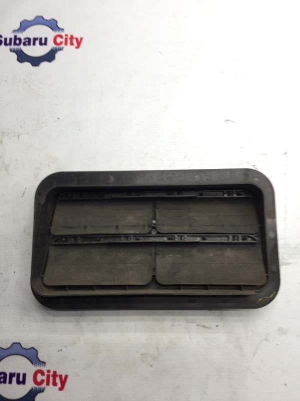Клапан вентиляции багажника Subaru Forester SG EJ20 2004 левый (б/у)